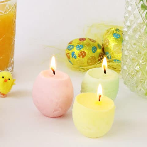 Maak je eigen eivormige kaarsen voor Pasen